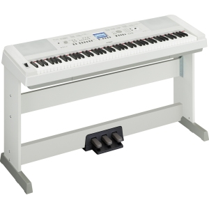 Yamaha DGX 650 digital keyboard