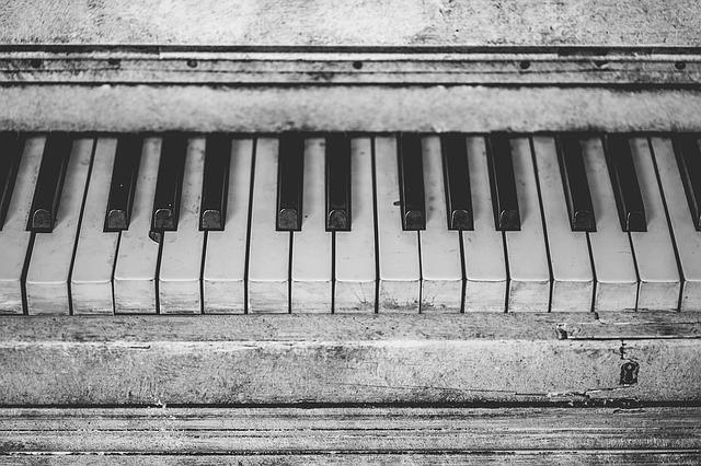 piano-1396971_640