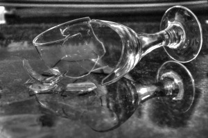 broken-glass-1794449_1920